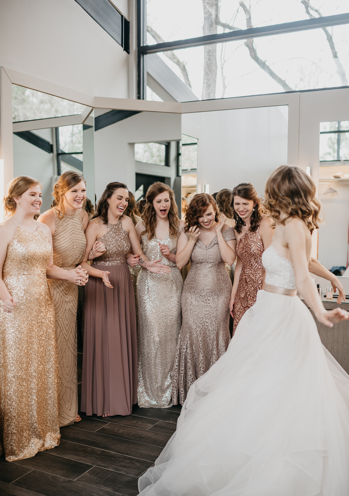 Modern elegant carefree nature wedding at Jennings Trace wedding venue in Conroe Texas camera shi photography